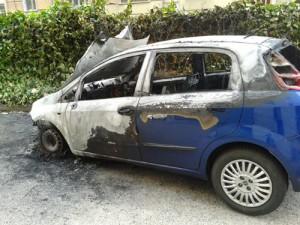 auto-in-fiamme-bn