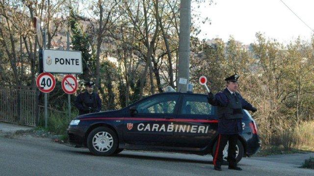 I carabinieri arrestano un uomo di 50 anni per violenza sessuale