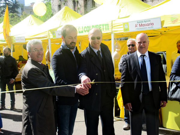 Inaugurato il nuovo mercato di Campagna Amica di piazza Risorgimento