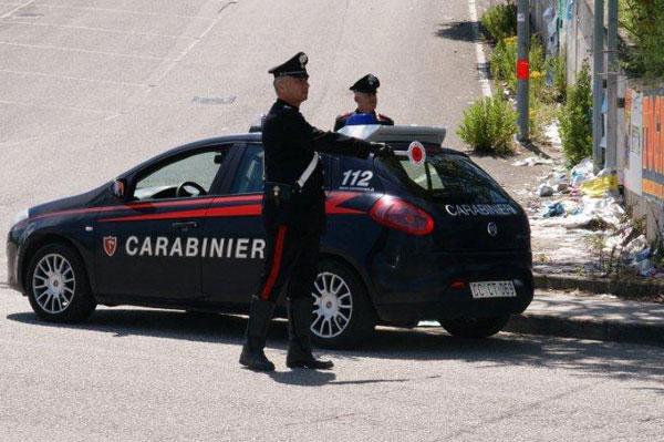 Sfaccendato leccese danneggia autovetture in sosta a Benevento