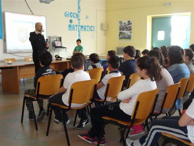 Cultura della legalità, i carabinieri incontrano gli alunni di Calvi