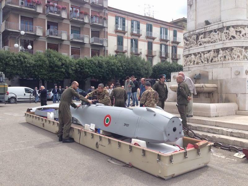 Workshop Unisannio, in piazza Castello arriva il drone 'Predator'   Fotogallery