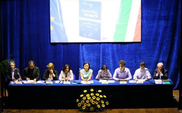 Il futuro dell'Ue raccontato da Costanzo, Brancaccio e tre liceali | Fotogallery