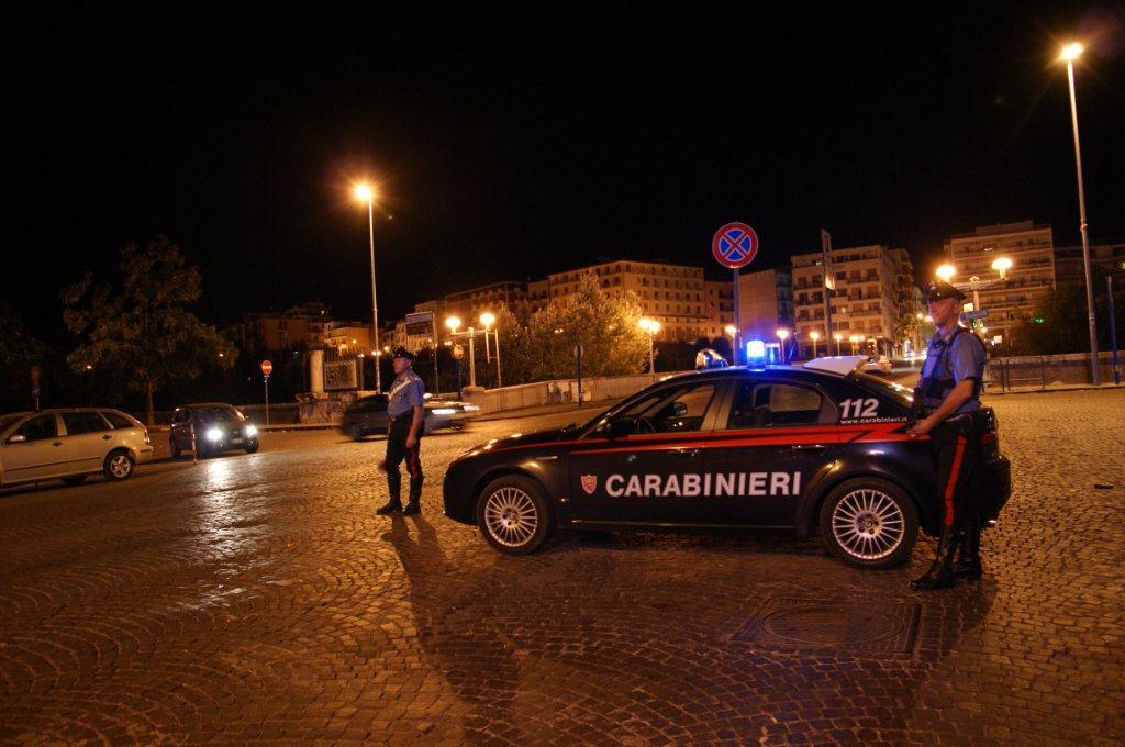 Controlli dei Carabinieri nella movida beneventana, segnalato 15enne per possesso di hashish