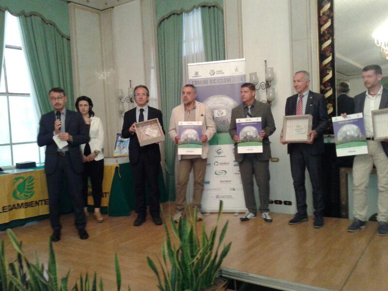 Comuni ricicloni 2014, il sindaco Pepe ha ritirato il premio Comieco per il capoluogo sannita
