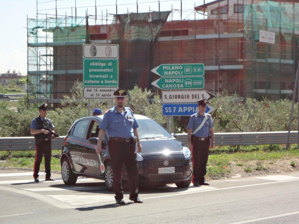 Denunciato 31enne per guida senza patente e con targhe auto contraffatte
