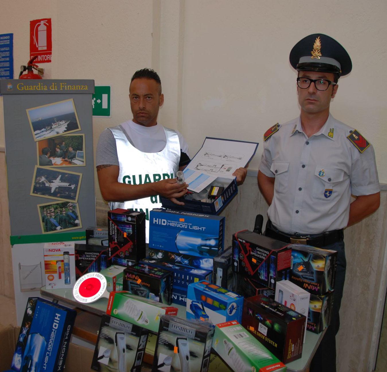Guardia di Finanza sequestra materiale elettrico non conforme in un negozio