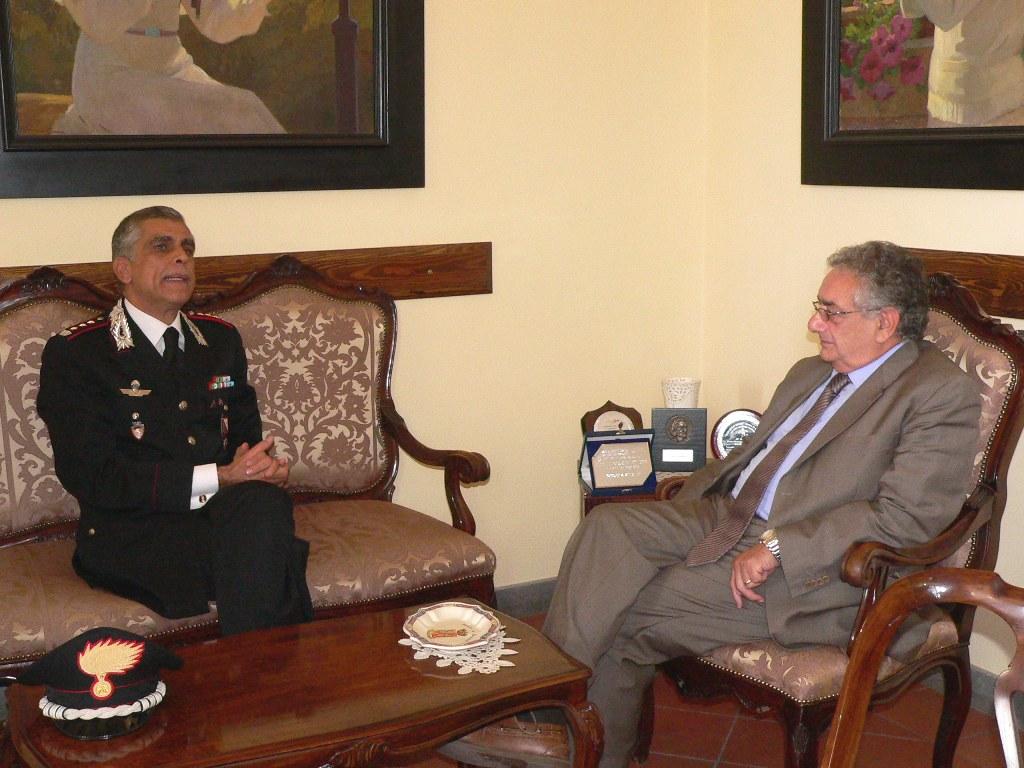 Il Commissario Cimitile ha salutato oggi il Colonnello dei Carabinieri Carideo che lascia Benevento per altro incarico
