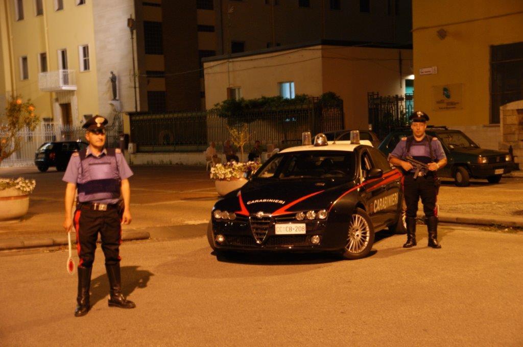Controlli antidroga, i Carabinieri fermano un giovane in possesso di hashish
