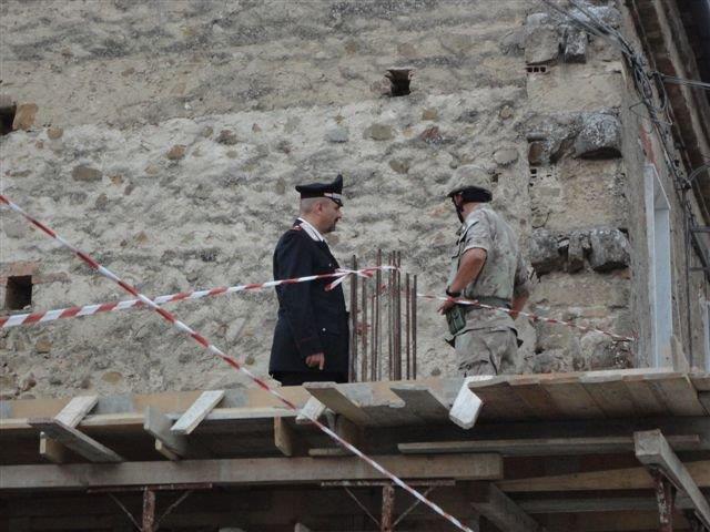 Fatte brillare le bombe trovate in una nicchia ricavata da muro di un'abitazione