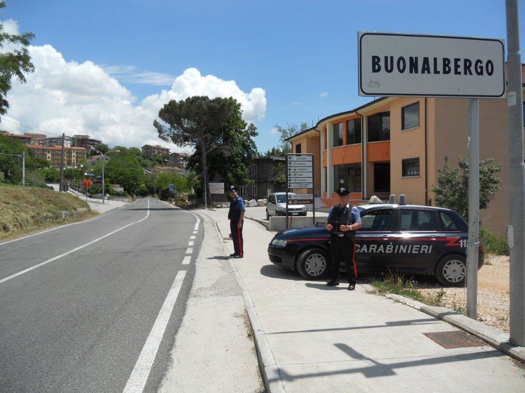 fermato dai Carabinieri uomo originario di Napoli che si aggirava nei pressi di alcune abitazioni