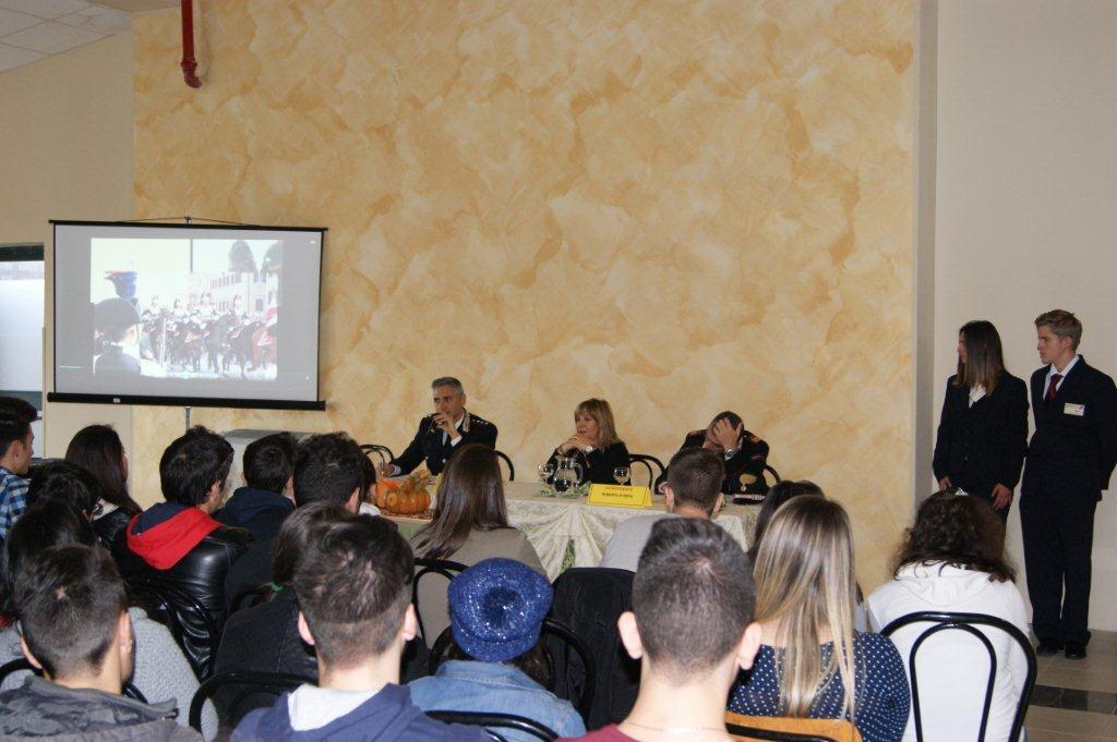 A Castelvenere i Carabinieri incontrano le scuole per spiegare il significato del 4 novembre