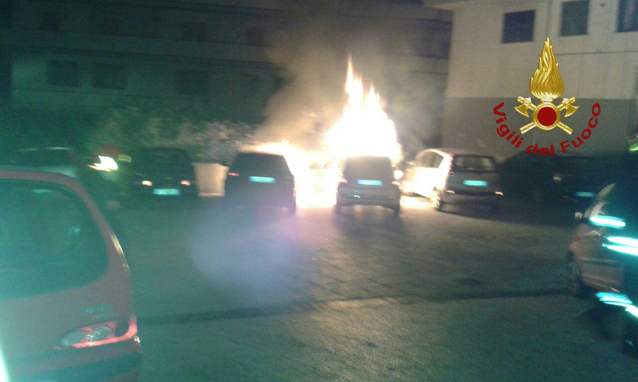 Incendiate nella notte due autovetture di un uomo di San Giorgio del Sannio