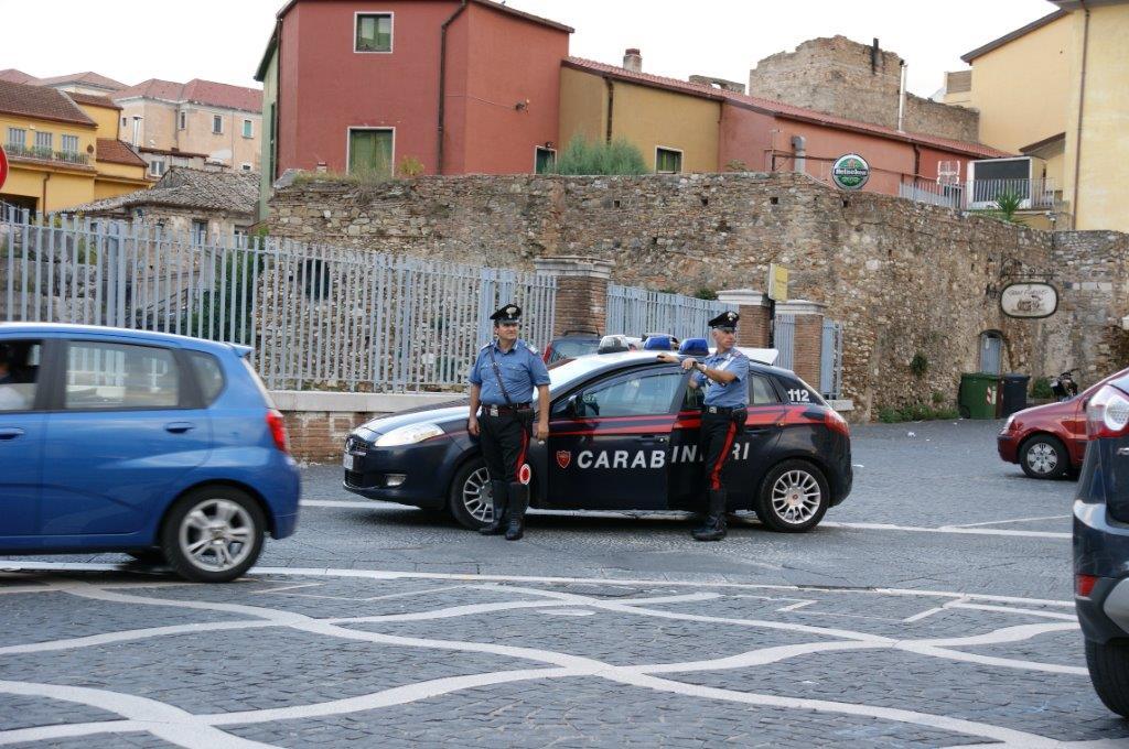 Fermati a Port'Arsa due pregiudicati napoletani mentre uscivano da un palazzo