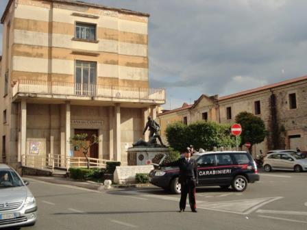 Sorpresi dai Carabinieri pregiudicati intenti a commettere furti