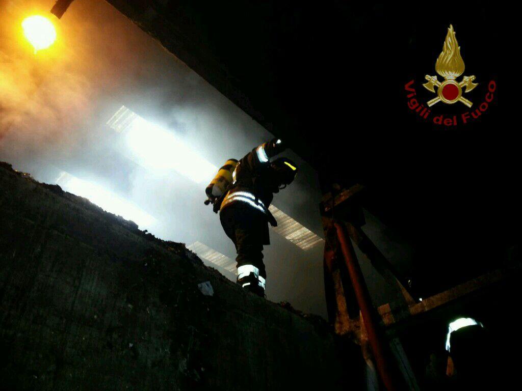 Incendio all'impianto Stir di Casalduni
