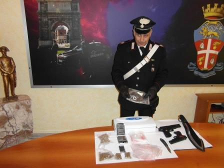 Controlli antidroga, arrestato il titolare di un bar di Benevento