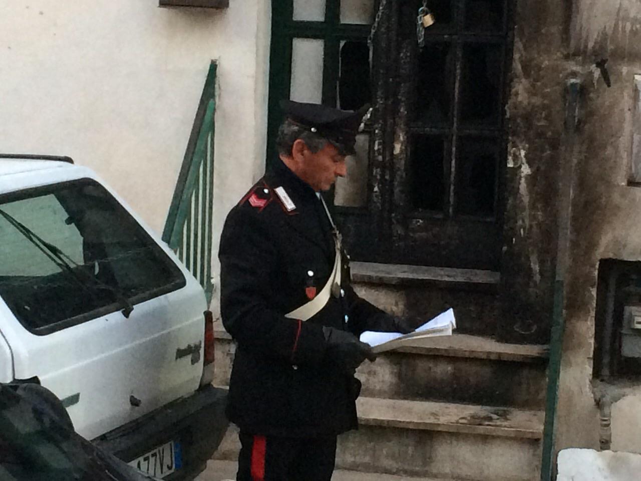 Intervento di Carabinieri e pompieri a Solopaca per un incendio in abitazione di anziani coniugi