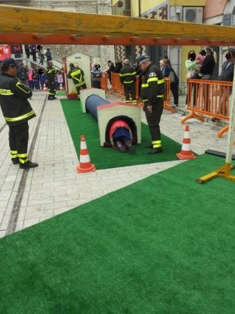 I Vigili del Fuoco con le scuole di Guardia Sanframondi per 'Pompieropoli'