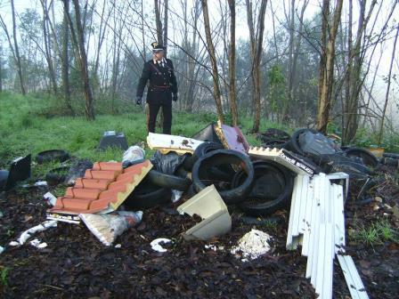Rinvenuti rifiuti speciali in area demaniale che costeggia il Volturno