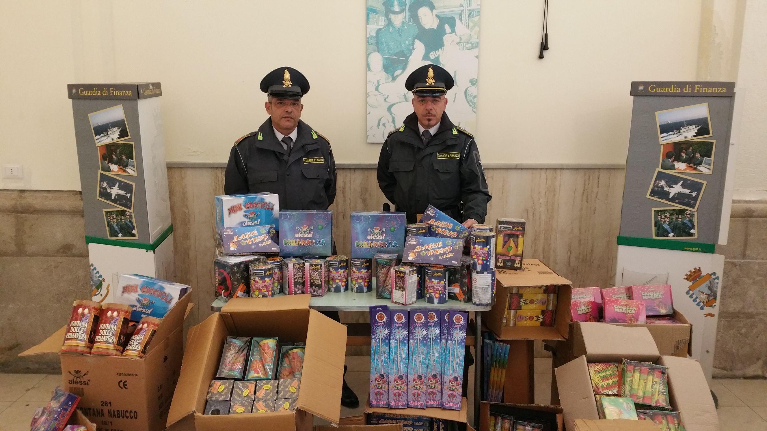 Sequestrati dalla Guardia di Finanza 150 kg di 'botti di fine anno'