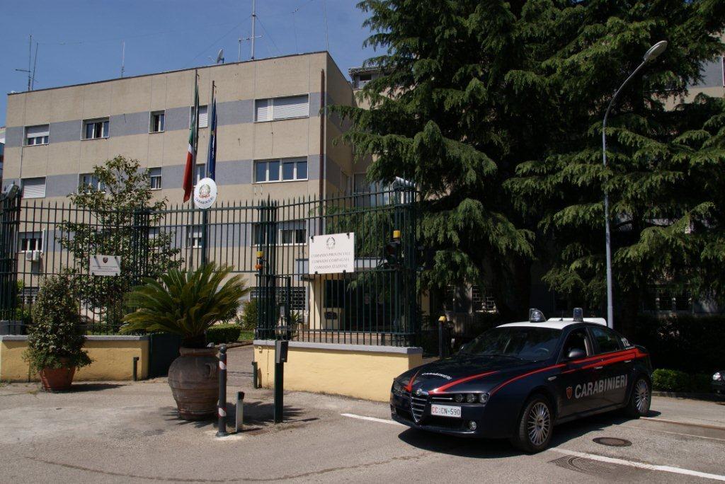 Carabinieri impegnati dall'alba in un'operazione anticamorra