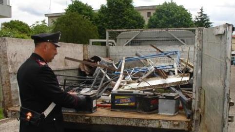 Intercettato dai Carabinieri un pregiudicato che trasportava rifiuti speciali
