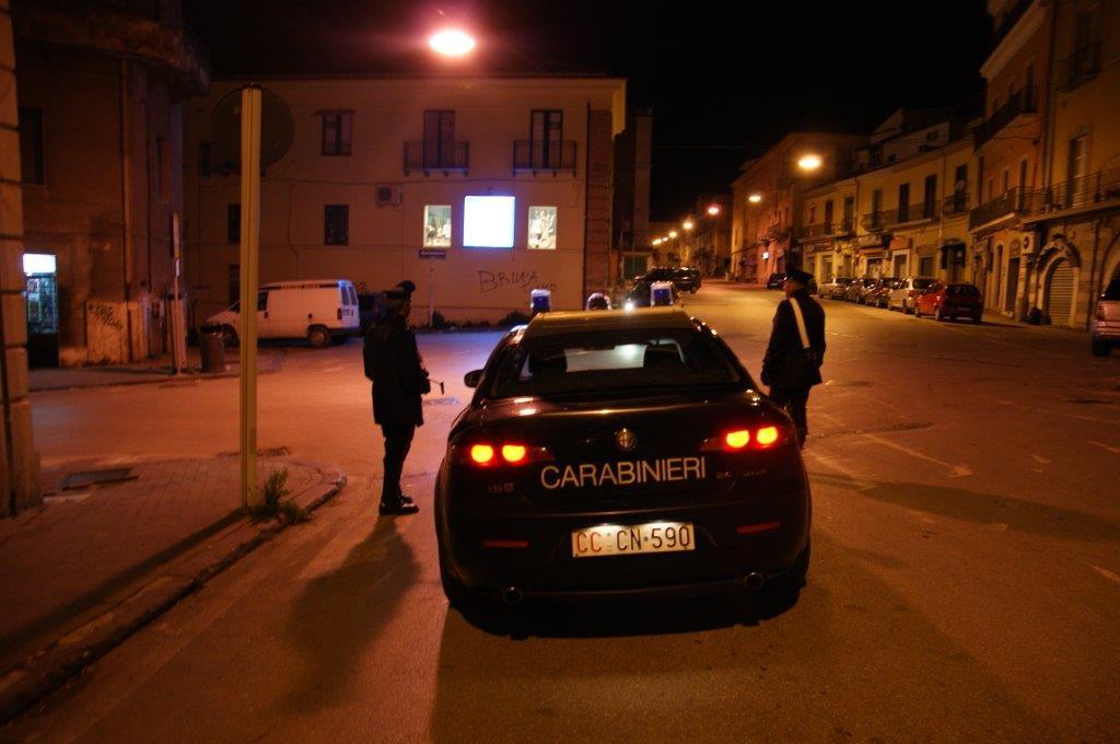 Denunciate dai Carabinieri due persone trovate alla guida in stato di ebbrezza e con tagliando assicurativo falso