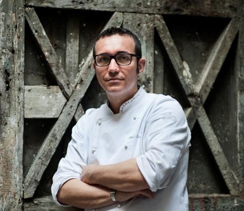 Il pizzamaker Gino Sorbillo ospite della manifestazione 'Pizza e falanghina'