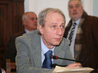 Risparmio in Provincia con la revoca del premio di risultato all'ex direttore Raffaele Bianco