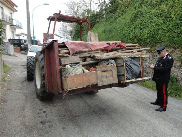 Denunciate dai Carabinieri due persone che trasportavano rifiuti e li sversavano in discarica abusiva