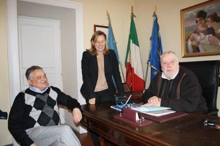 Donato, dalla famiglia Rampone, un prezioso fondo librario alla Biblioteca Provinciale