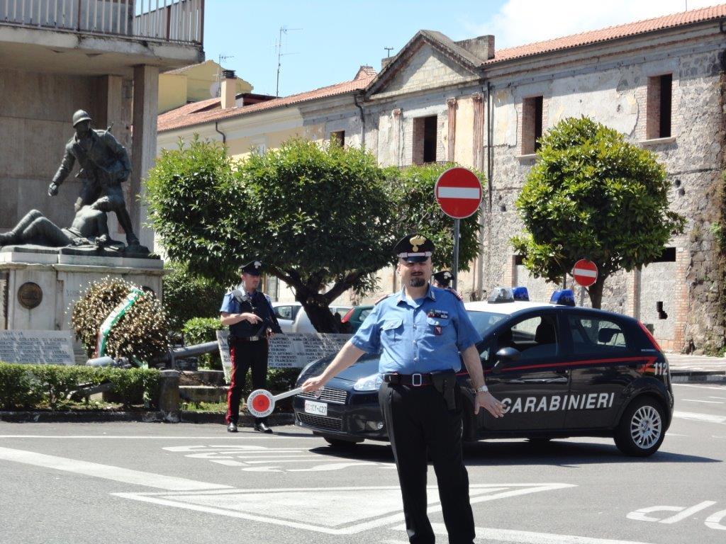 Fermati dai Carabinieri cinque pregiudicati che, con la scusa della festa di Sant'Antonio, truffavano anziani