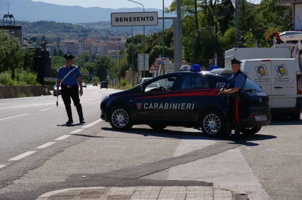 Fermati dai Carabinieri due giovani perché trovati in possesso di droga