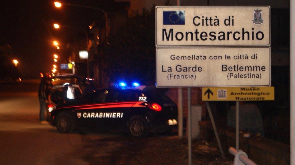 Montesarchio, due uomini armati rapinano un distributore di carburanti durante la notte