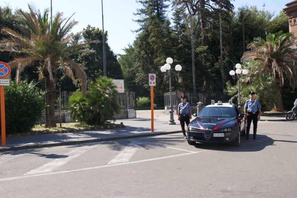 Arrestato un uomo alla guida della propria autovettura privo di patente