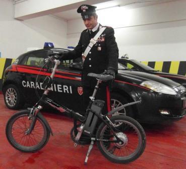 Beneventano 51enne arrestato per droga dopo aver tentato la fuga in bici elettrica