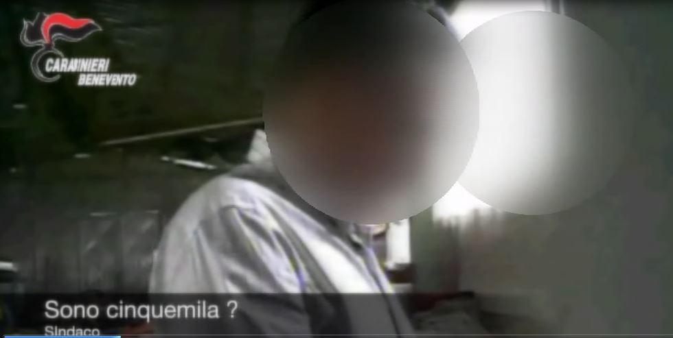 San Lorenzo Maggiore, arrestati per concussione sindaco e capo Ufficio Tecnico
