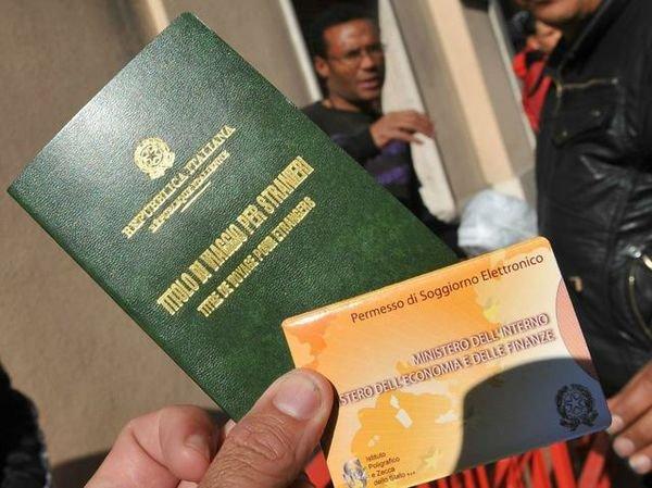 Rimborso contributo per il rilascio/rinnovo permessi di soggiorno, l'aiuto della Cisl agli immigrati