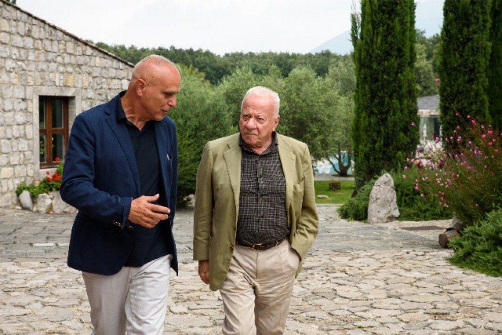 Telese, inaugurata da Bonito Oliva la mostra che racchiude 15 fra i più grandi artisti sulla scena nazionale e internazionale