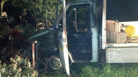 Montesarchio, autocarro in fiamme