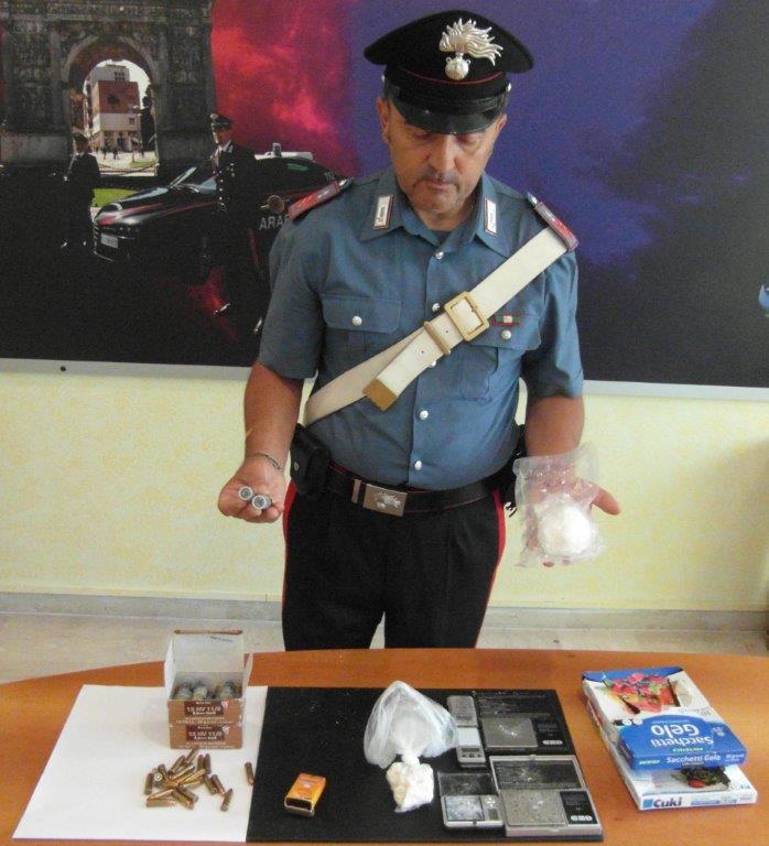 Arrestato pusher a Benevento. Deteneva cocaina e materiale per confezionamento dosi nel sottocala