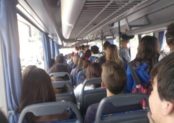 Trasporti, abbonamenti gratuiti per gli studenti campani