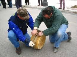 Pago Veiano, nel week end appuntamento con il lancio del formaggio