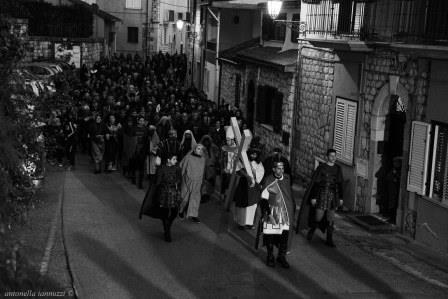 In scena domani, tra le vie del borgo di Foglianise, la suggestiva Via Crucis Vivente