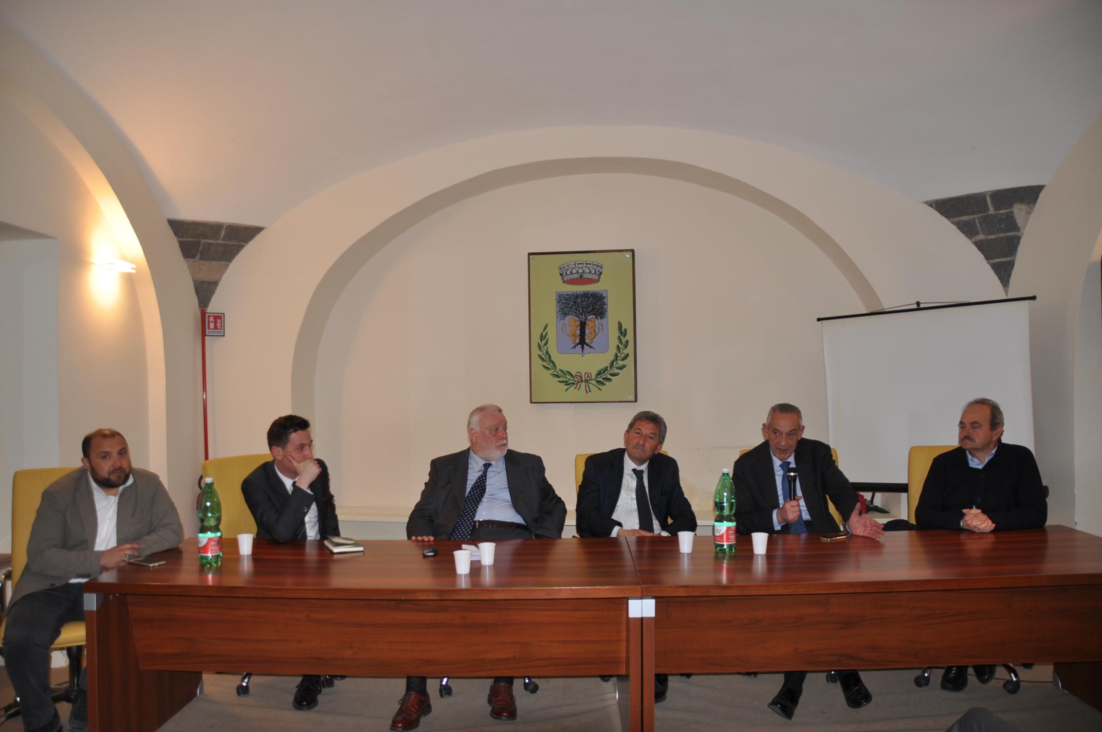 """Amorosi, convegno sulle infrastrutture. Ricci: """"Ok a programmi condivisi di crescita socio-economica"""""""