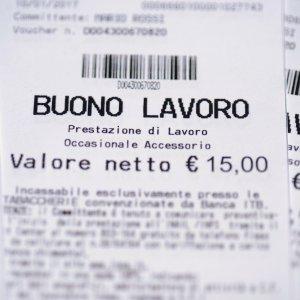 Sospensione voucher, Coldiretti: stop al lavoro stagionale per i giovani