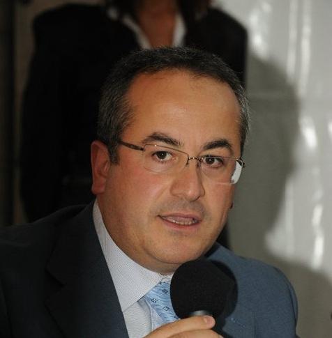 Il sindaco di Pago Veiano dice no ad altri centri accoglienza sul territorio. Il plauso di Forza Nuova
