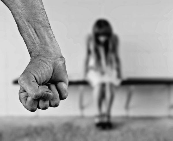 Riflessione dei consiglieri Fioretti e Varricchio (Pd) sulla violenza contro le donne