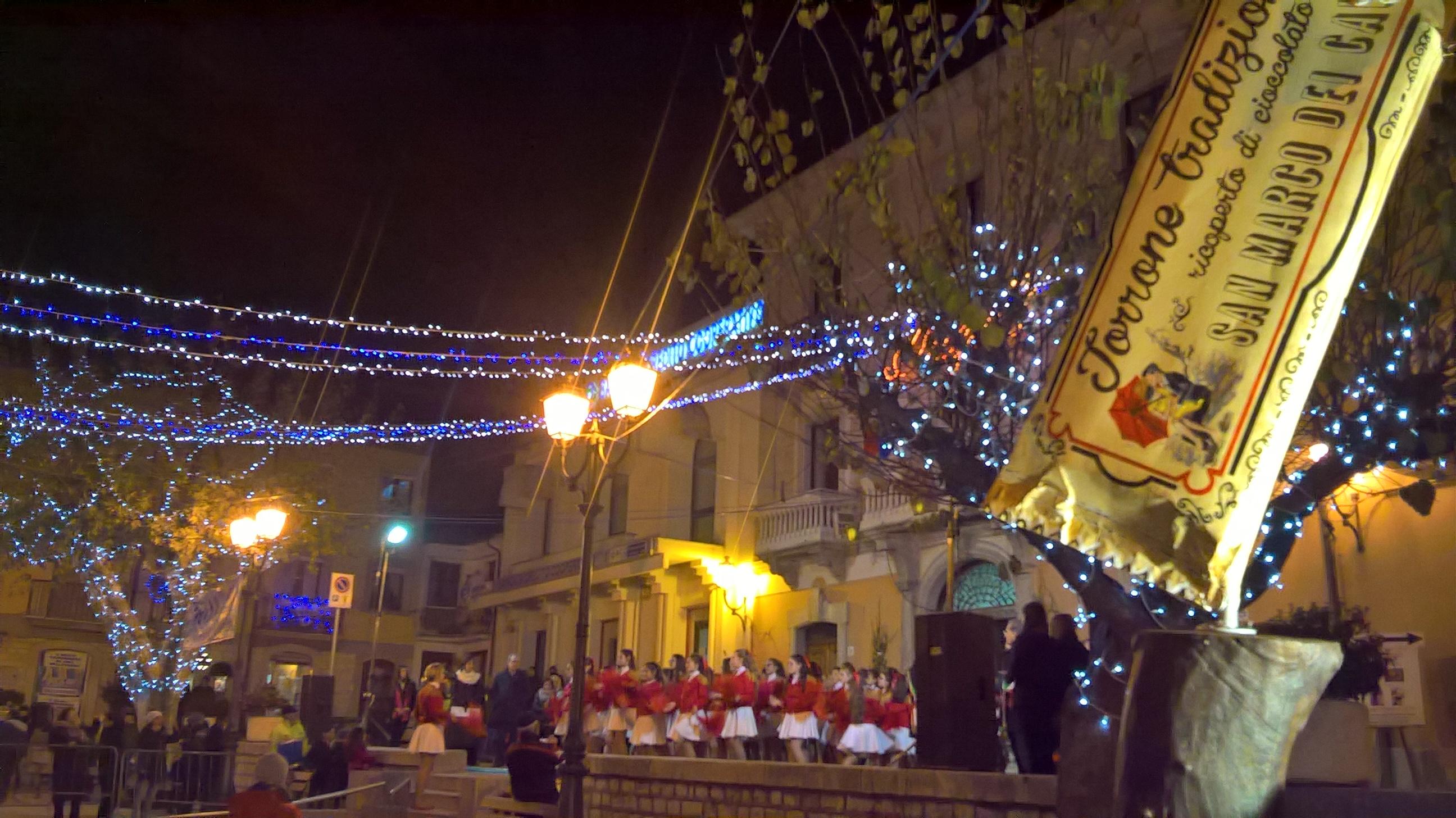 """""""Sua maestà"""" il Croccantino protagonista dell'inaugurazione della Festa del Torrone di San Marco"""